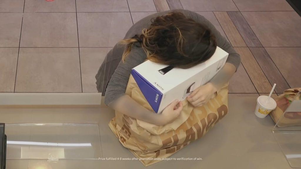 Burger King presentó la caja oficial de PlayStation 5 en un anuncio publicitario 9