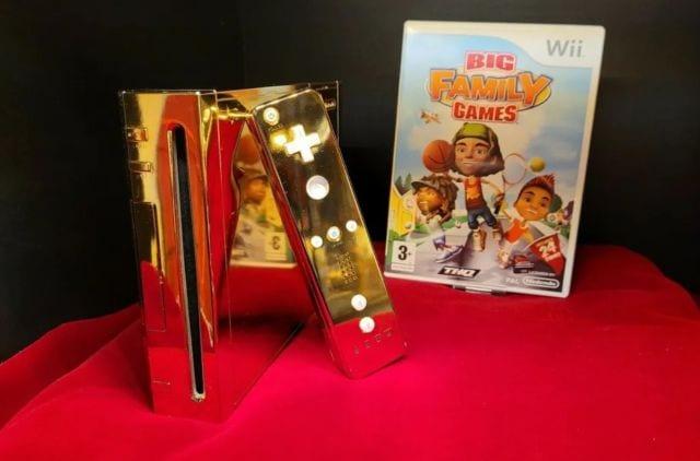 ¿Tú la venderías? Un coleccionista subastó la Nintendo Wii de oro diseñada para la Reina Isabel II 1